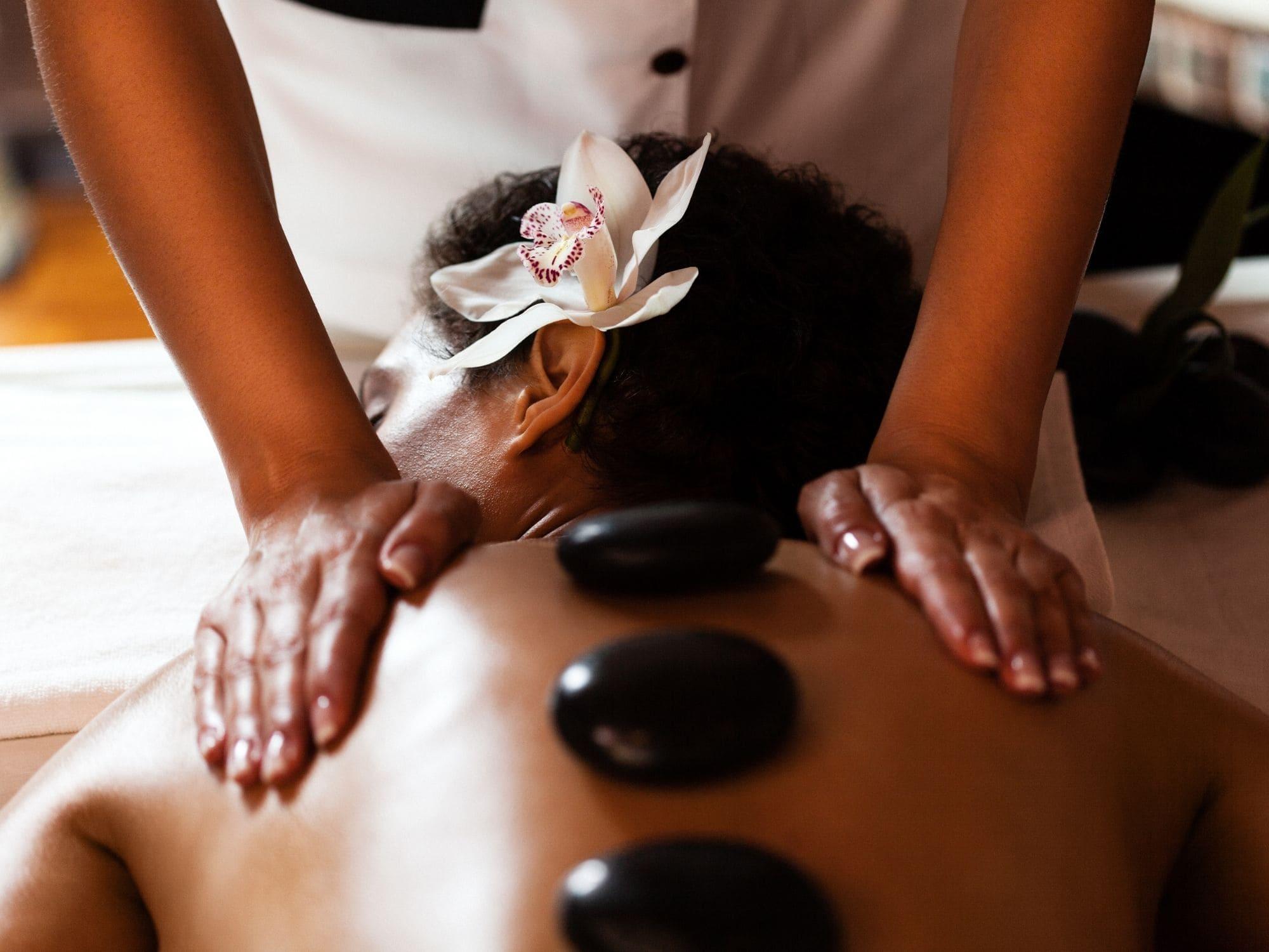 massage avec pierre